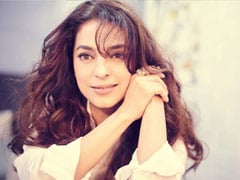 ICYMI: Juhi Chawla Was On <I>Kaun Banega Crorepati 12</i> - Just Not In The Hot-Seat