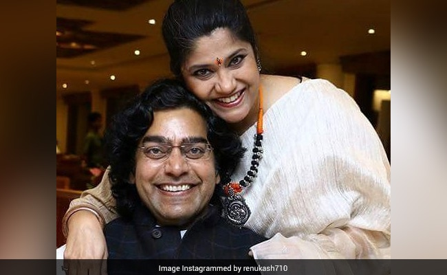 On Birthday, Ashutosh Rana Gets A Whole Lot Of Love And A Special Note From Wife Renuka Shahane