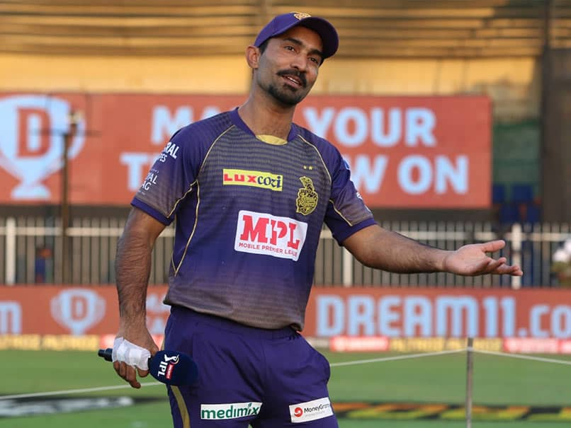 """He Can Hit None"": Fans Troll KKR For Posting Quiz With Dinesh Karthiks Pic and Multiple Cricket Balls"