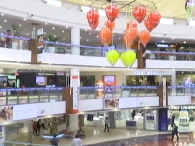 Video : Delhi Shopping Mall Sales Pick Up Ahead Of Diwali, But Footfall At 50%