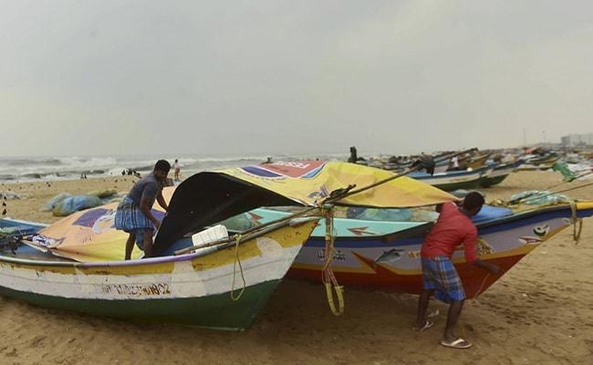 Cyclone Nivar Live Updates: 'Nivar' Crosses Coast Near Puducherry, Weakens Into Severe Cyclonic Storm