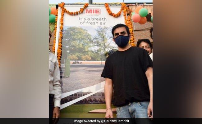 Gautam Gambhir Inaugurates 12-Feet Tall Air Purifier In Delhi