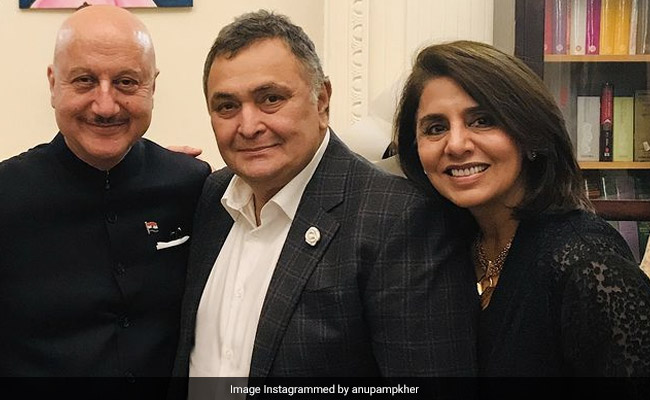 What Anupam Kher Wrote About Meeting Neetu Kapoor Without Rishi Kapoor
