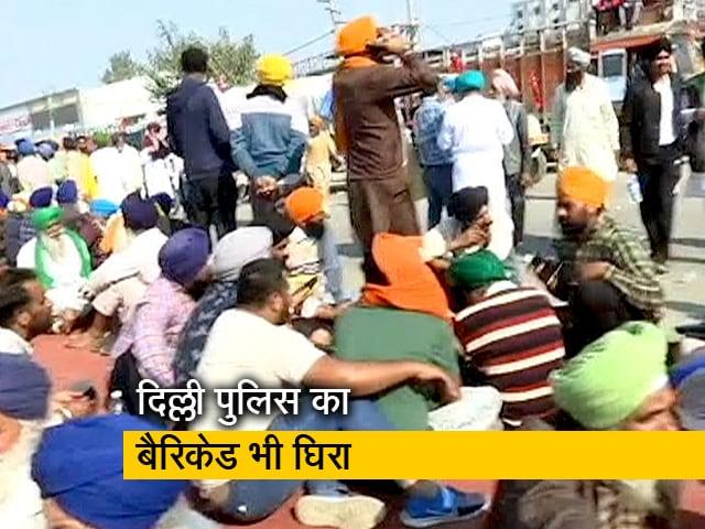Video : किसानों का प्रदर्शन जारी, दिल्ली के सिंघु बॉर्डर पर रास्ता बंद