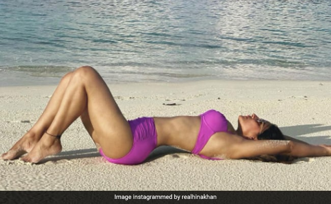 Life's A Beach For Hina Khan, Holidaying In The Maldives