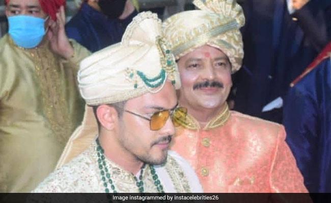 Viral: Pics And Videos From Aditya Narayan's Baaraat