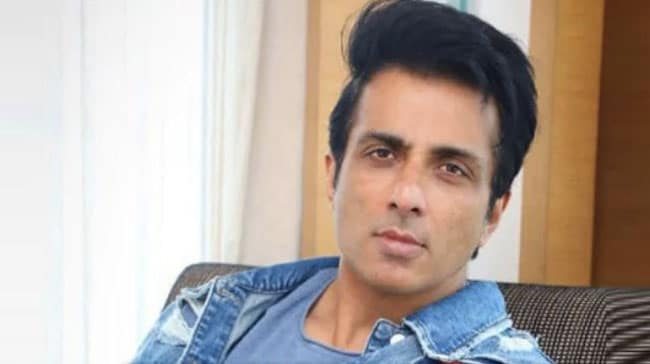 Sonu Sood Pledges To Install Handpumps In UP Village, Promises To Tackle Water Scarcity
