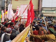 In Patna, A Lathi Charge At Farmers Protest, Then They Chased Cops