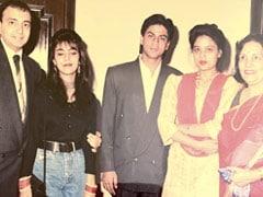 A Throwback Gem Of Shah Rukh Khan With Gauri, Sister Shehnaz Lalarukh Khan And Viveck Vaswani