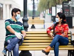 सामाजिक दूरी के बिना अकेले मास्क कोविड-19 से नहीं बचा सकता: अध्ययन