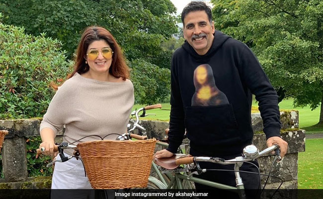 Here's To Birthday Girl Twinkle Khanna And Akshay Kumar Making More 'Questionable Life Decisions' Together