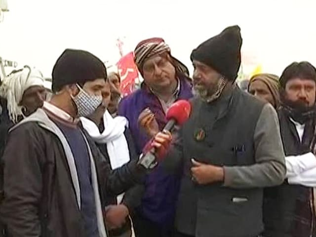 """Video : """"I Am Worried For Old Farmers Sitting In Chilly Weather"""": Yogendra Yadav"""