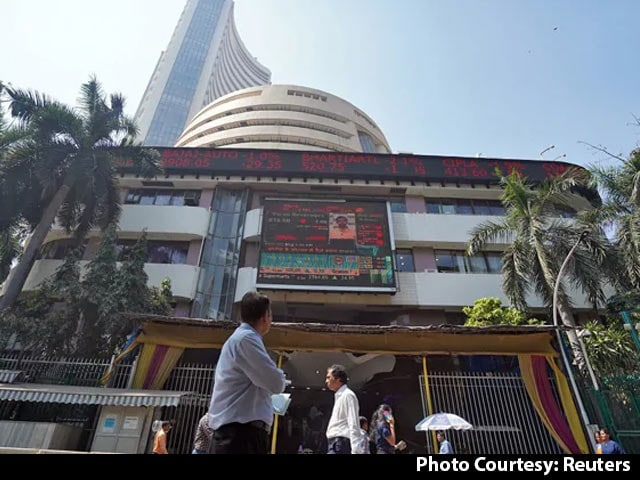 Video : Nifty Settles Above 13,550 For First Time, Sensex Rises Over 150 Points