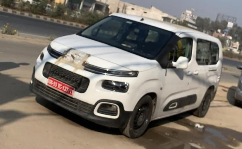 Reportedly, the test mule in the photos was equipped with a 1.5-litre petrol engine and 6-speed MT