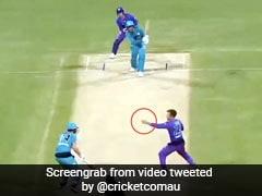 BBL 2020: डार्सी शॉर्ट ने गेंद डालकर पकड़ा ऐसा खतरनाक कैच, देख बल्लेबाज भी हंस पड़ा - देखें Video