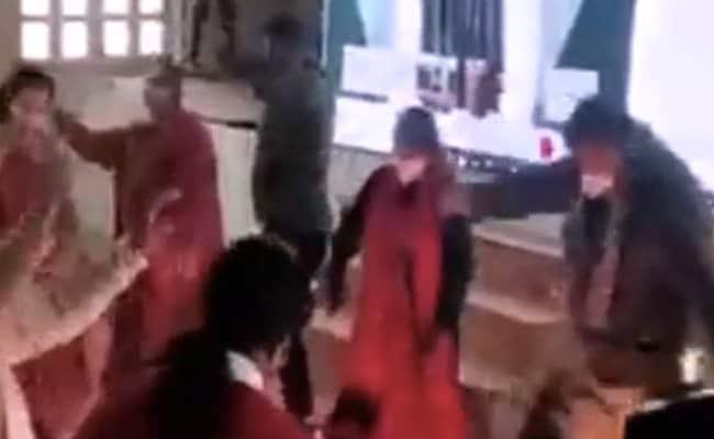In Himachal Pradesh, BJP Workers Mute Rajnath Singh's Speech For A Dance