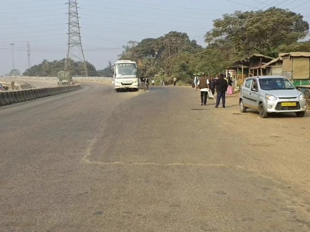 Video : Bharat Bandh's Partial Impact In Assam: Private Cabs, Buses Stay Off Road