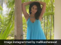 Mallika Sherawat नए साल का वेलकम करने के लिए पहुंचीं केरल, शेयर की ग्लैमरस Photos