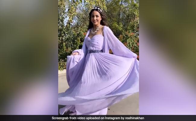हिना खान ने पर्पल ड्रेस में 'सवांर लूं' सॉन्ग पर यूं किया डांस, Video में दिखा एक्ट्रेस का खूबसूरत अंदाज