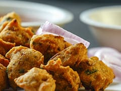 Indian Cooking Tips: Pair These Easy To Make Soy Moong Bhajias With Your Evening Cup Of Tea