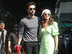 Christmas 2020: Inside The Kapoors' Family Lunch With Kareena-Saif, Ranbir-Alia And Others