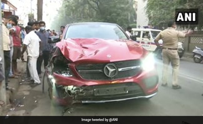 Mumbai Delivery Agent Dies As Mercedes Hits Bike, Sonu Sood Offers Help