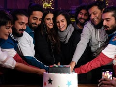 Ayushmann Khurrana Wraps 'Chandigarh Kare Aashiqui'; Cuts A 'Starry' Cake With Team