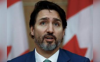 Trudeau Shrugs Off New Delhi's Reproach, Supports Farmers' Protest Again