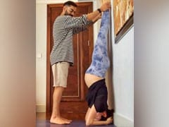 Virat Kohli Helping Anushka Sharma With Pregnancy Yoga Is The Cutest Thing You'll See Today