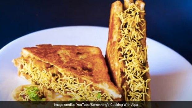 Watch: Love Chaat And Sandwiches? This Mumbai-Style Sev Puri Toast Combines Goodness Of Both