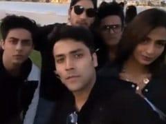 शाहरुख खान के बेटे आर्यन खान दुबई में दोस्तों के साथ कर रहे हैं चिल, Video में यूं मस्ती करते आए नजर