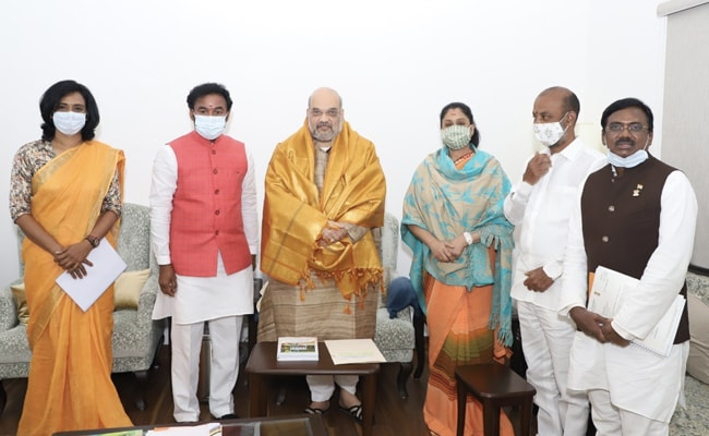 Telugu Actor Vijayashanti Meets Amit Shah, To Join BJP Today