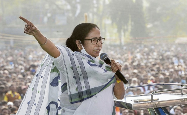 Mamata Banerjee Speaks With Protesting Farmers In Delhi, Assures Them  Support