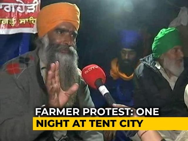 Video : Special Report: A Night At Farmers' Protest Site