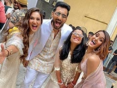 Inside Punit Pathak And Nidhi Moony Singh's Reception: A Special Performance By The Couple And Other Viral Videos
