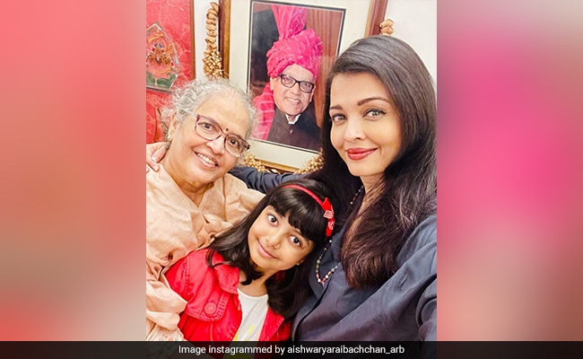 Here's What Aishwarya Rai Bachchan Wrote On Parents' Anniversary