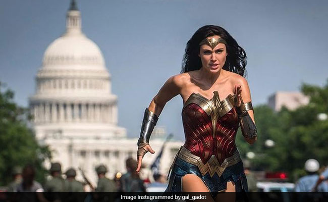 Wonder Woman 1984 Review: Sequel Floats On One Wing - The Returning Gal  Gadot - 2.5 Stars (Out Of 5)