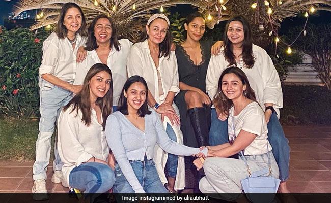 Inside Alia-Shaheen Bhatt, Masaba Gupta, Soni Razdan And Neena Gupta's Weekend Get-Together