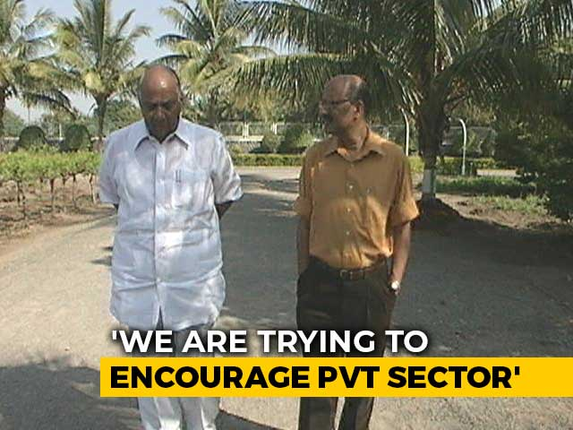 Video : Walk The Talk With Sharad Pawar: Private Players In Farm Sector (Aired: November, 2005)
