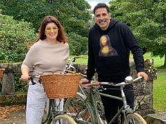 "Here's To Birthday Girl Twinkle Khanna And Akshay Kumar Making More ""Questionable Life Decisions"" Together"