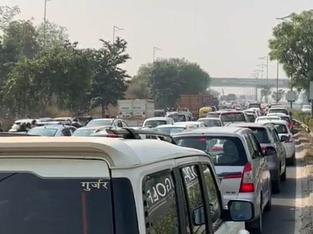 Video : Key Delhi-Noida Route Shut As Uttar Pradesh Farmers Protest At Border