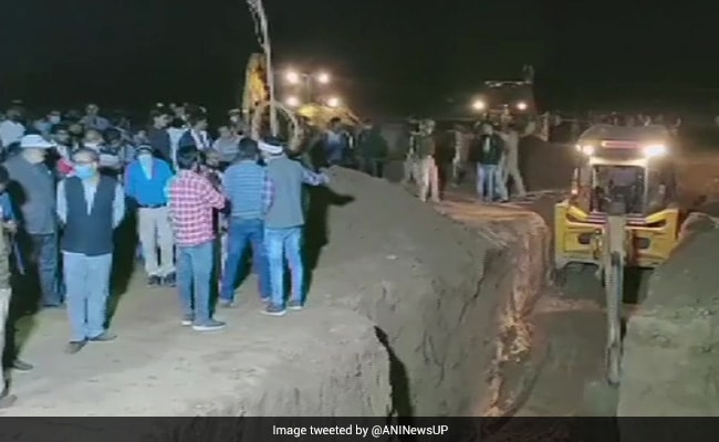 4-Year-Old Boy, Who Fell Into Borewell In UP Yesterday, Dies