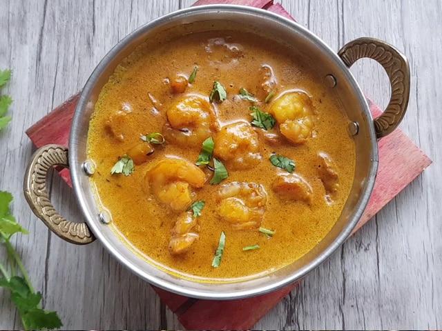 Video : How To Make Chingri Malai Curry | Easy Chingri Malai Curry Recipe Video