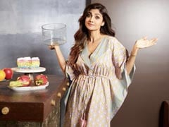 Shilpa Shetty And Mom Sunanda Try Latest Cake Trend Of 2020. Guess Which One?