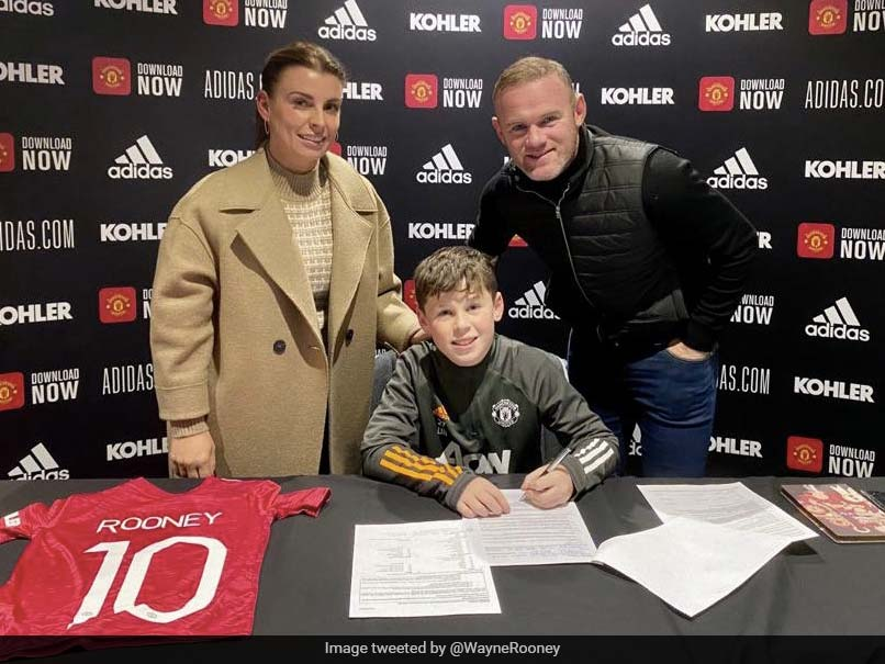 Wayne Rooneys 11-Year-Old Son Kai Signs For Manchester United