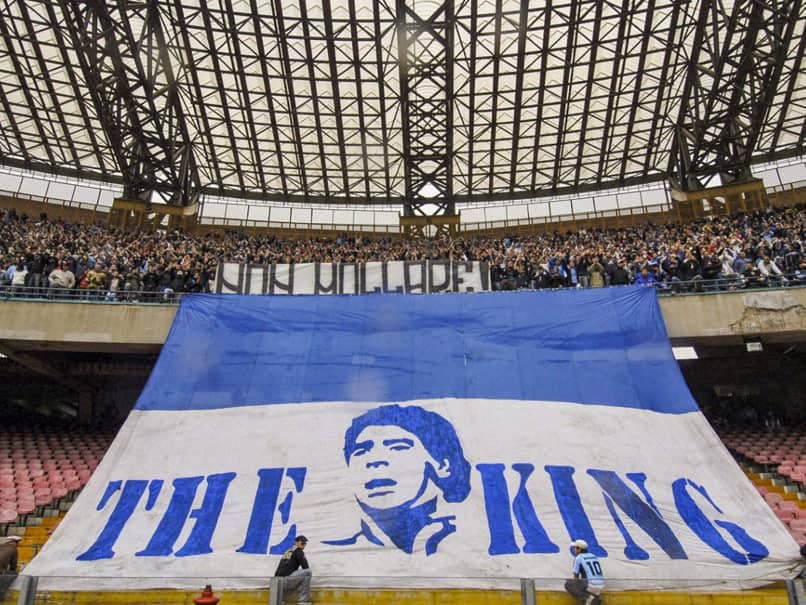 نام ورزشگاه ناپولیس سن پائولو به دیگو مارادونا تغییر یافت