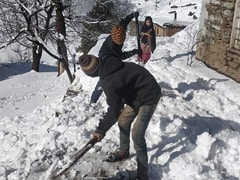 Heavy Snowfall In Kashmir, Landslides Due To Rain On Jammu-Srinagar Road
