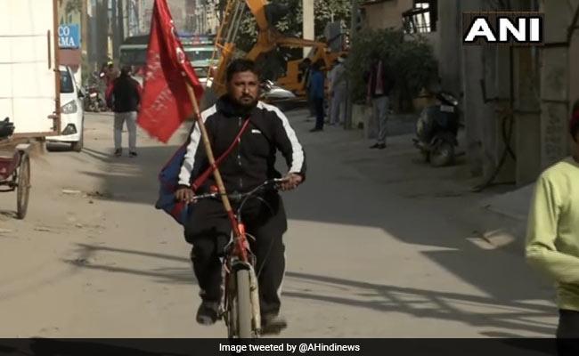 Punjab Teacher Cycles 225 Km To Join Farmers' Protest At Delhi's Tikri Border