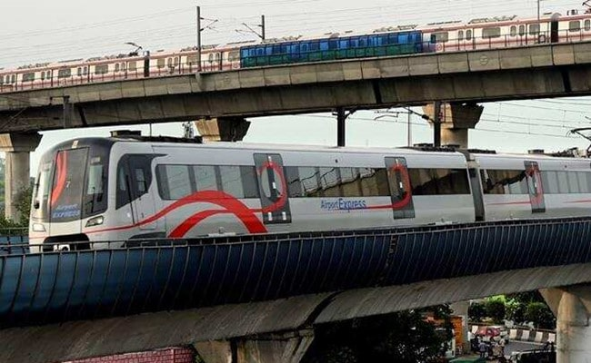 Delhi Metro Trains To Run Every 15 Minutes During Weekend Lockdown
