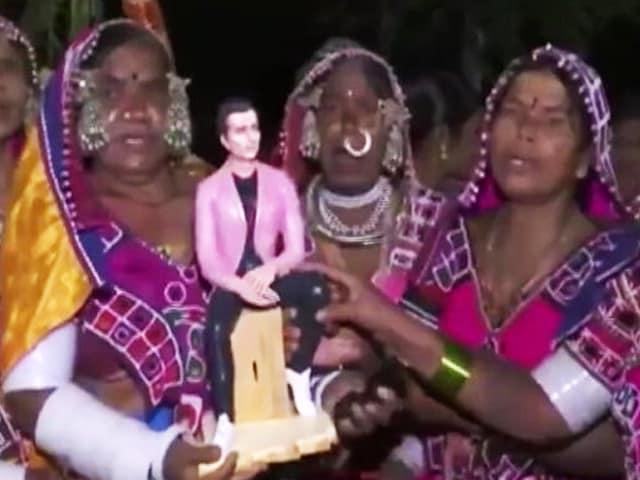 Video : Telangana Villagers Dedicate Temple To Sonu Sood For His Work Amid Pandemic